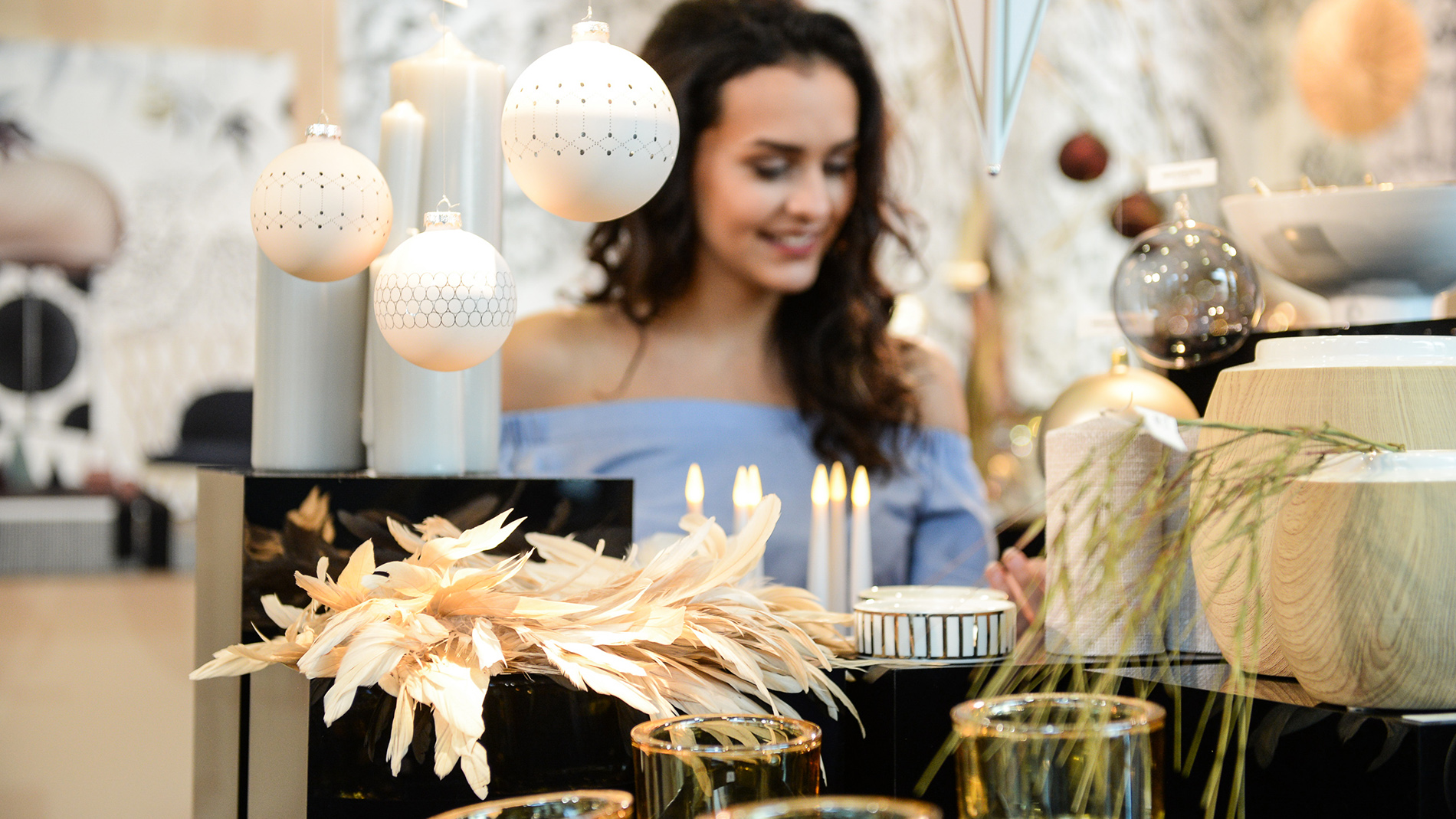 "Trend ""balanced sobriety"" at Christmasworld Trend Show: understated, with a lot of white and a firm presence"