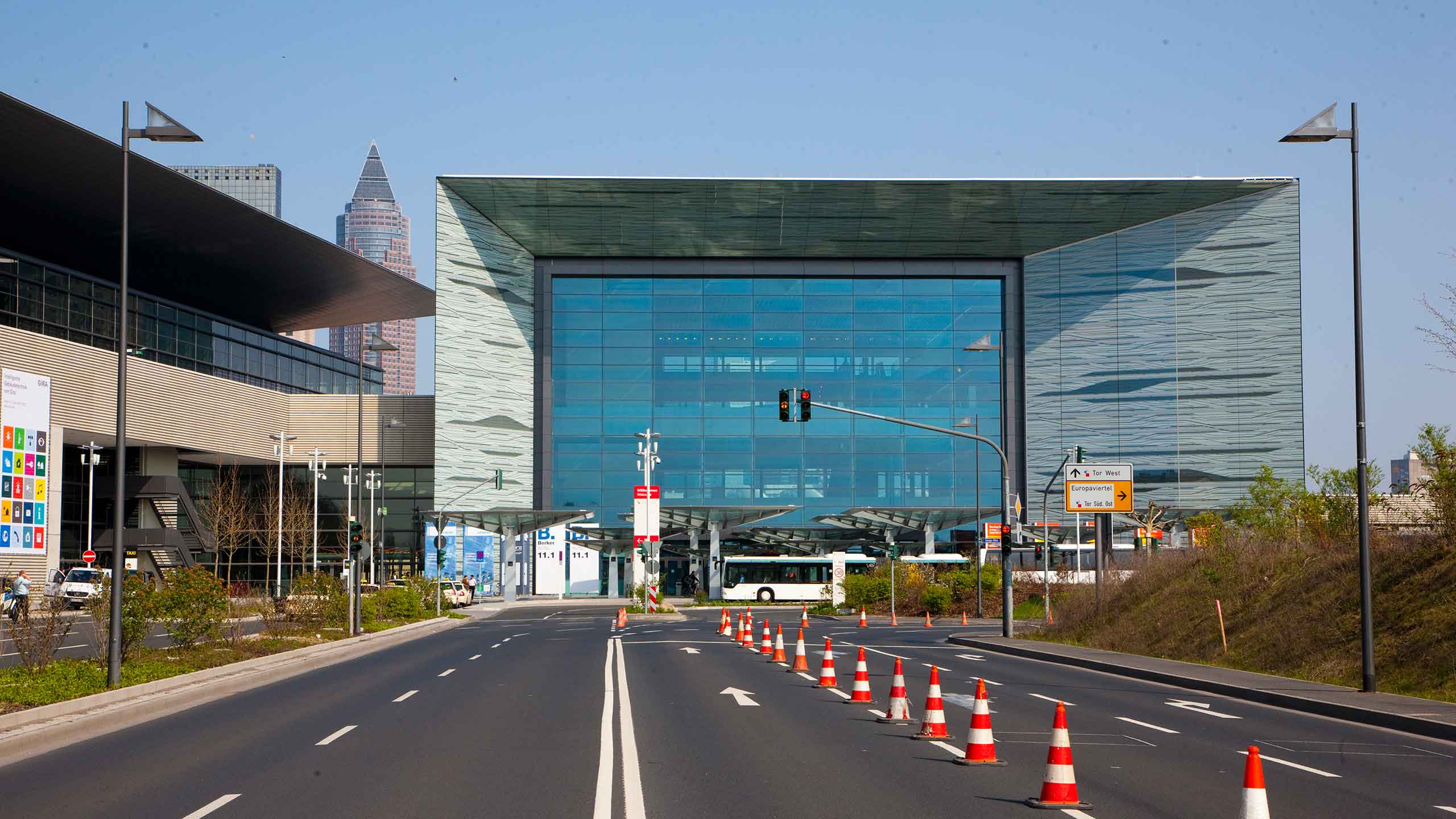 Access to the Frankfurt Exhibition Center